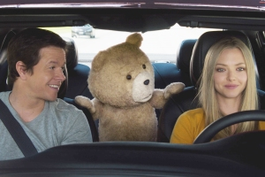 Film Still John (MARK WAHLBERG), Ted (SETH MACFARLANE) and Samantha (AMANDA SEYFRIED) hit the road in ?Ted 2?, Universal Pictures and Media Rights Capital?s follow-up to the highest-grossing original R-rated comedy of all time. MacFarlane returns as writer, director and voice star of the film.