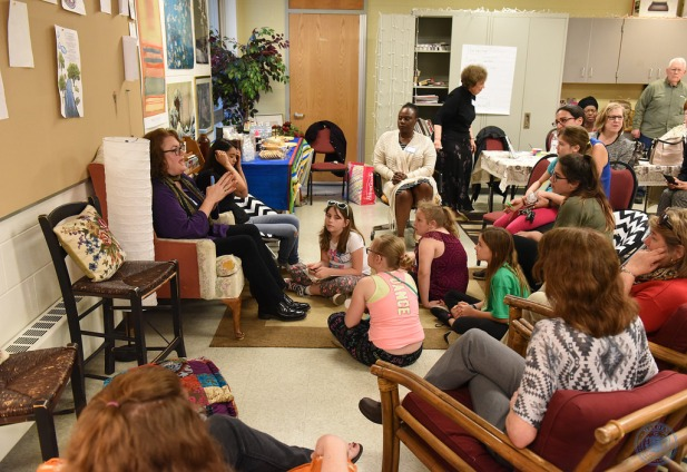Students ask questions and chat with the author. (Photo by Paul Hammersley)